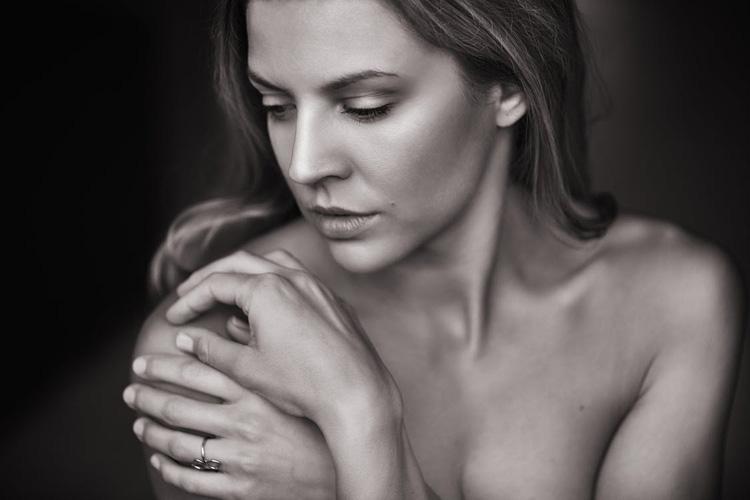 Come detergere la pelle del viso sensibile: 5 gesti di beauty routine