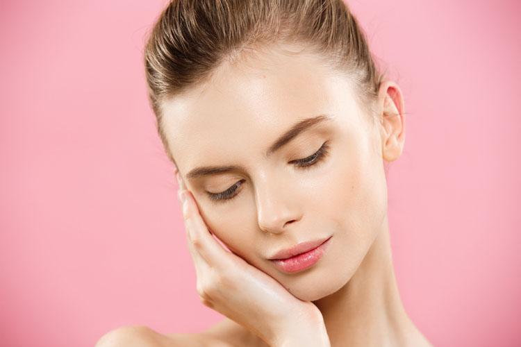 Gel detergente viso: perché usarlo e quali sono gli step da seguire