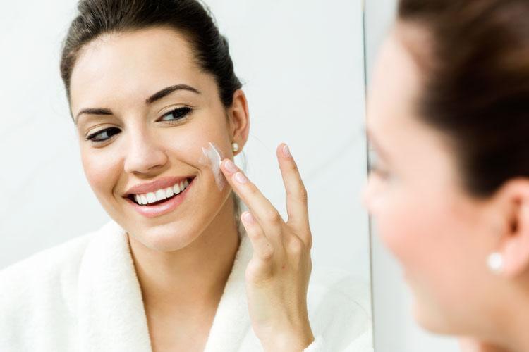 Skin care per pelli secche: idratazione e nutrimento la combo perfetta