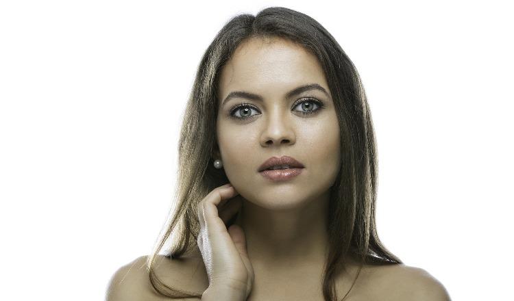 Pelle del viso opaca e grigiastra? Occorre una sferzata di energia!