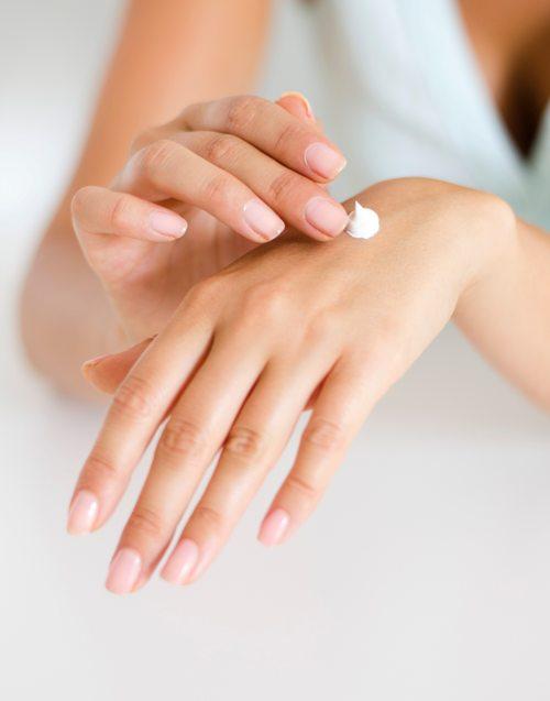 5 consigli per prendersi cura delle unghie e rafforzarle