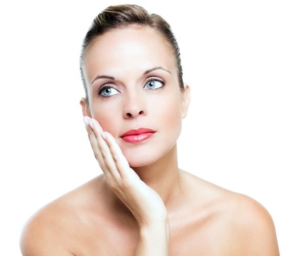 Prendetevi cura del vostro viso con la skincare mattina e sera