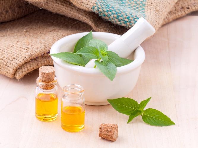 Impurità del viso: 5 rimedi naturali per una pelle luminosa e curata