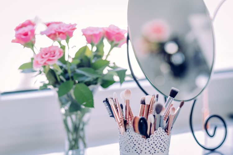 Postazione make-up: tutti i segreti per un perfetto vanity table