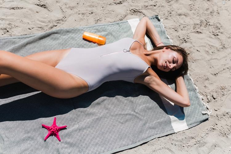 Skincare estiva: le regole e i metodi per proteggere la pelle dal sole