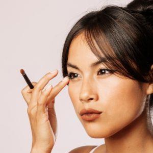 Eyeliner o matita: ecco come realizzare un make-up grafico
