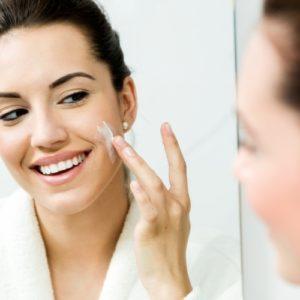 Creme all'acido ialuronico: contrasta il passare del tempo e stimola il metabolismo della pelle