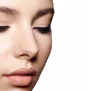 Un make-up classico ma sempre di tendenza: ecco come realizzare il cat eye