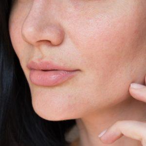 A ogni tipologia di pelle il suo make-up: come truccare la pelle secca