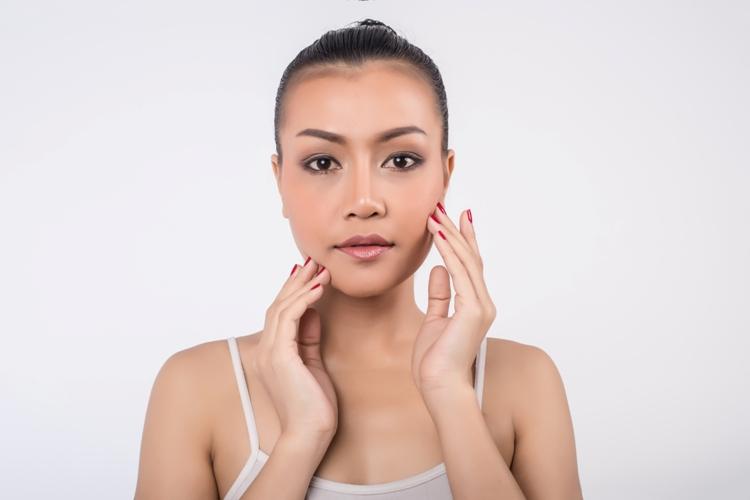 Quale fondotinta utilizzare per la pelle mista