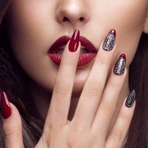 Decorazioni unghie: 5 idee semplici di nail art da ricreare a casa