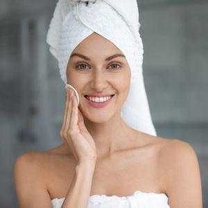 Il gel detergente per un viso sempre fresco