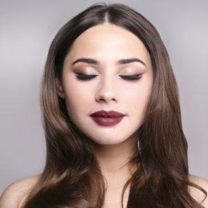 Come usare l'eyeliner per occhi magnetici