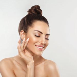 Come prenderti cura del tuo viso direttamente a casa