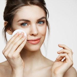 Pulizia del viso fai da te, comoda ed economica