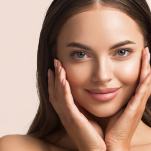 I fondotinta ideali per truccare la pelle grassa
